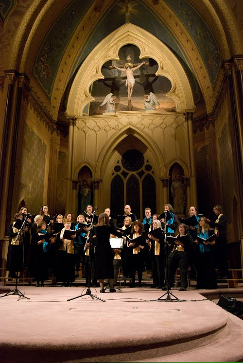 Cór Ainglí performing at Holy Cross, 2009. The church's beautiful interior and fine acoustics are a perfect foil for the music.